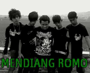 Mendiang Romo photo